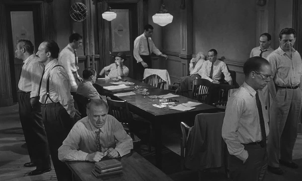 "12 angry men synopsis 12 angry men aka ""douze hommes en colère,"" ""12 homens e uma sentença,""   the plot revolves around jury deliberations for an 18 year old hispanic boy."